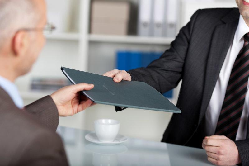 interview tips man suit