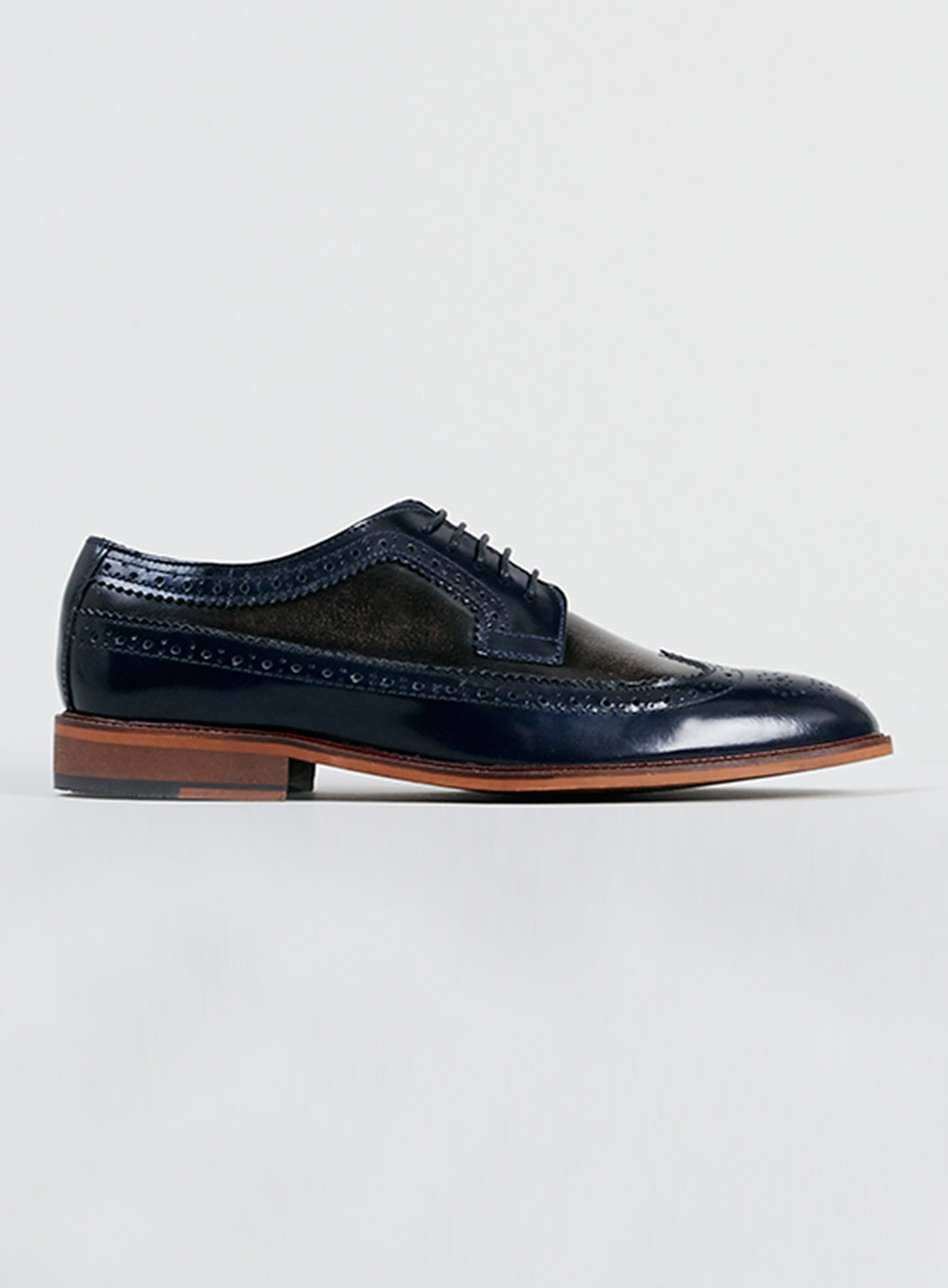 Delta Two Tone Brogue Shoes - Above The Ankles