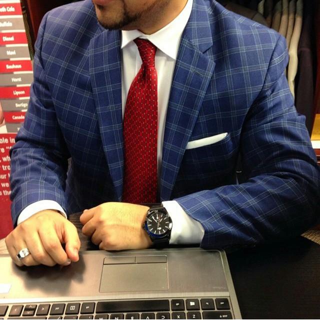 tie matching lapel