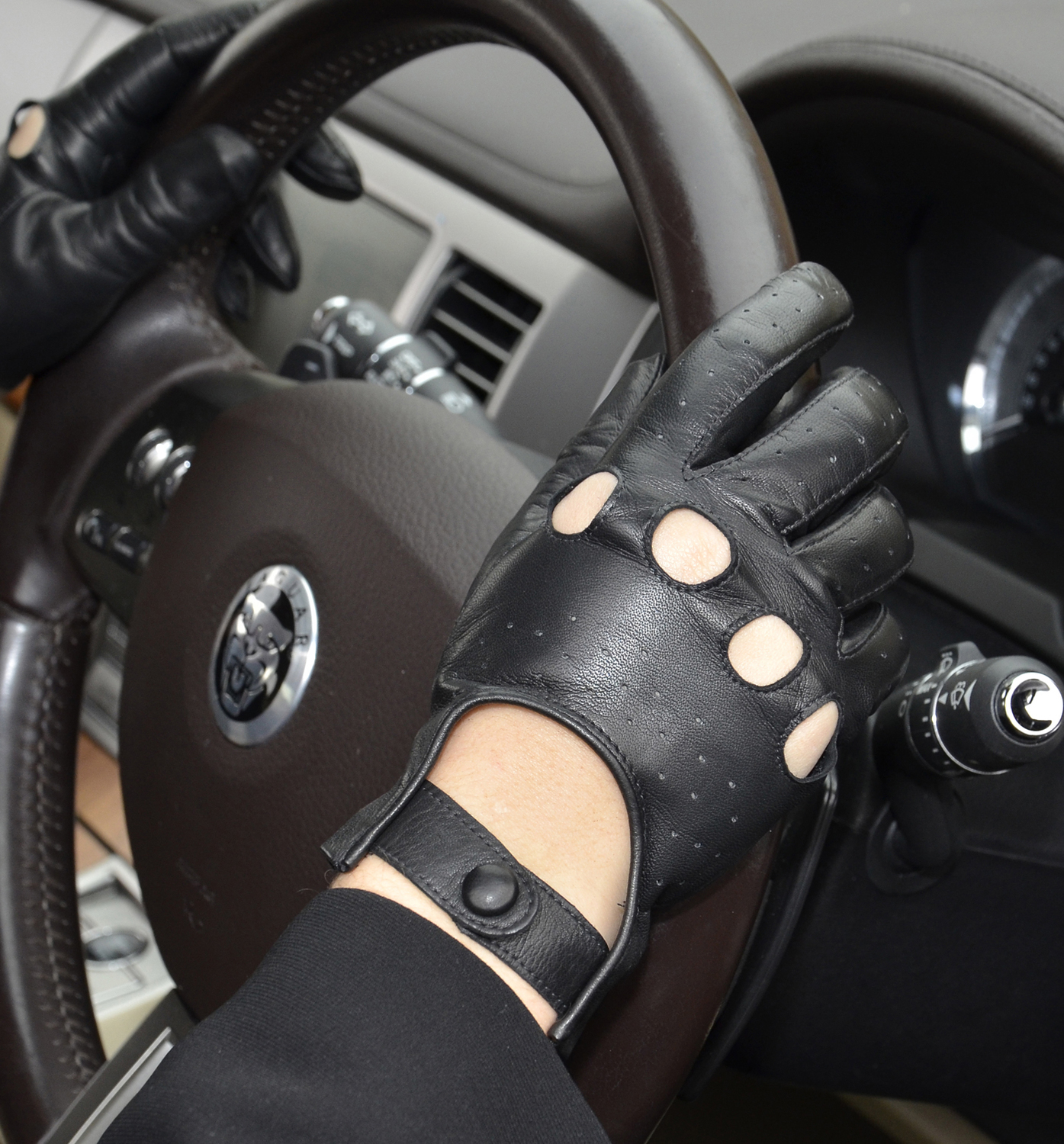 Men's Black Leather Driving Gloves cover